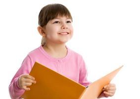 menina alegre com livro