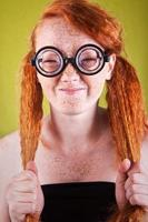 menina nerd engraçada