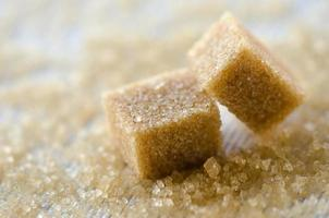 cubos de açúcar mascavo foto