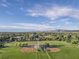 vista aerail de campos de beisebol foto