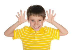 menino muito alegre foto