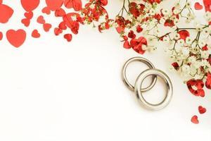 alianças de casamento com espaço de cópia