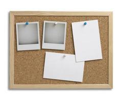 espaço de cópia de quadro de avisos de cortiça boletim com traçado de recorte foto