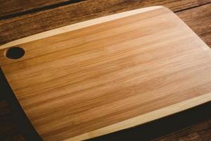 tábua de cortar madeira foto