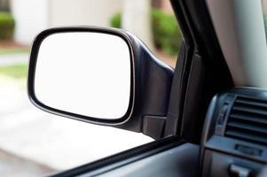 espelho lateral do carro com espaço de cópia foto