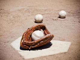 luva de softbol foto