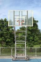 cesta de basquete foto