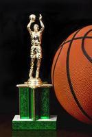 troféu de basquete.