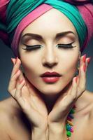 bela dama com turbante colorido