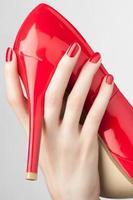 manicure vermelho foto