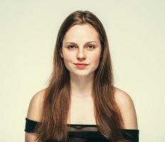 retrato de rosto de mulher bonita jovem