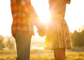 jovem casal apaixonado. foto