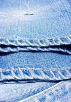 feche as calças jeans. foto