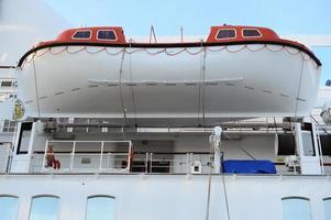 close-up de barco salva-vidas foto