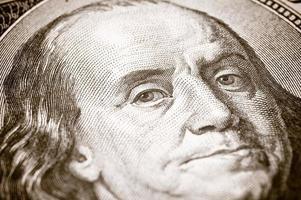 close-up 100 dólares