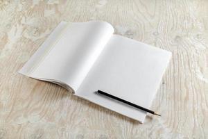 livro aberto em branco