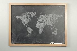 mapa do mundo quadro-negro foto