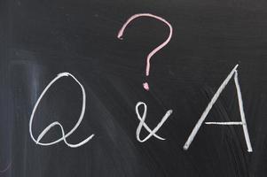 escrita no quadro-negro - perguntas e respostas foto