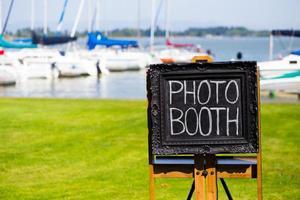 sinal de lousa photobooth no casamento foto