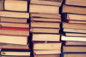livros antigos de capa dura foto