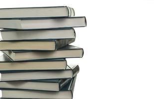 pilha de novos livros semelhantes foto