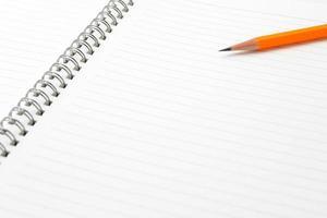nota e lápis com espaço de texto foto