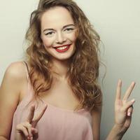 mulher jovem expressão foto