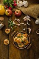 mini pãezinhos de queijo de massa doméstica foto