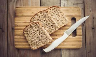 pedaços de pão foto