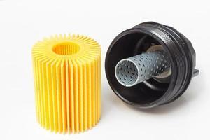 insira o filtro de óleo do motor com a carcaça foto