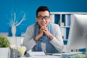 multi-étnico jovem empresário foto