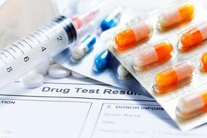 formulário em branco de teste de drogas foto