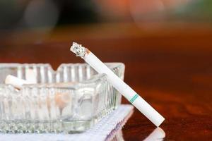 por favor, pare de fumar para saudável foto