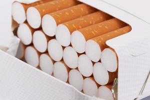cigarros no maço foto
