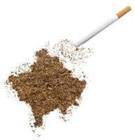 cigarro e tabaco em forma de kosovo (série) foto