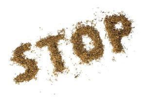 tabaco a granel formado na palavra parar, isolado no branco foto