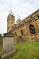 sepultura e igreja