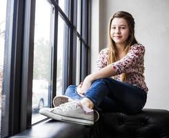 menina bonitinha (pré adolescente) foto