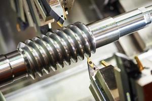 ferramenta de corte no trabalho de metal