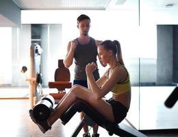 treinamento físico na academia foto