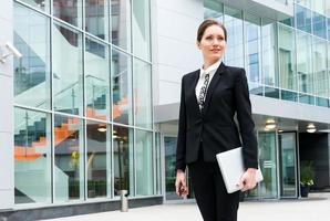 retrato de mulher de negócios jovem foto