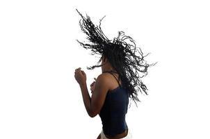 jovem mulher dançando foto