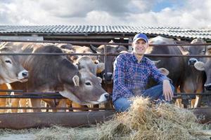 rancheiro masculino em uma fazenda foto