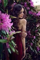 dama de vermelho foto