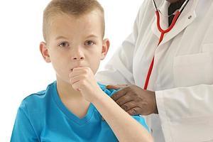 visita médica de menino foto