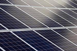 painéis solares azuis foto