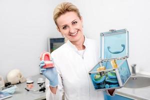 retrato de mulher dentista