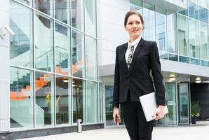 retrato de mulher de negócios jovem