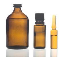 frascos para medicamentos de vidro foto