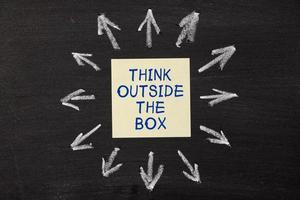pense fora da caixa